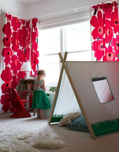rideau pour chambre fille idées en 50 photos pour choisir les rideaux enfants