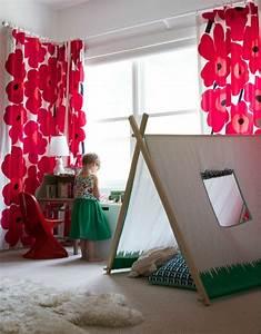 idees en 50 photos pour choisir les rideaux enfants With déco chambre bébé pas cher avec comment utiliser le tapis champ de fleurs