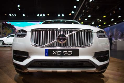volvo   gas  cars    verge