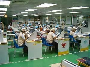 ECS Production Tour 2005: How to build a mainboard, ECS ...