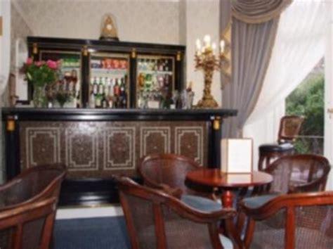 best western swiss cottage best western swiss cottage hotel deals see hotel