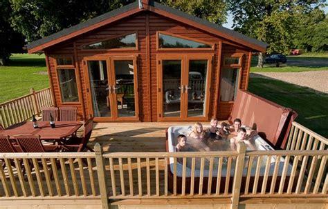 log cabin tub breaks uk athelington log cabin holidays suffolk cground