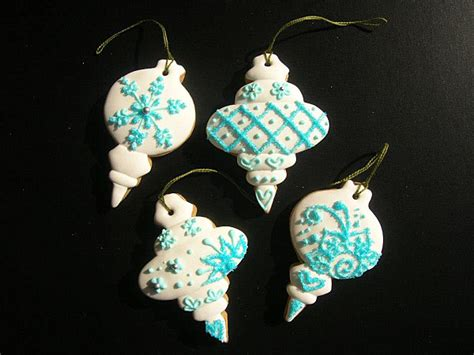 holiday ornament cookies by delish decoist
