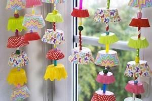 Mini Fliegen Am Fenster : girlanden ketten mit muffinf rmchen kita basteln kinder und kindergarten basteln ~ Eleganceandgraceweddings.com Haus und Dekorationen