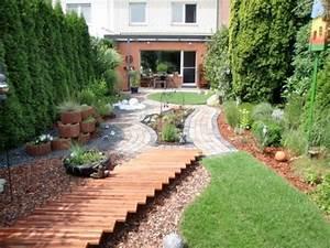 Gartengestaltung Kleine Gärten Bilder : reihenhaus gartengestaltung bilder gartengestaltung ~ Lizthompson.info Haus und Dekorationen