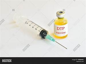 Syringe with DTP (Diphtheria-Tetanus-Pertussis) vaccine ...