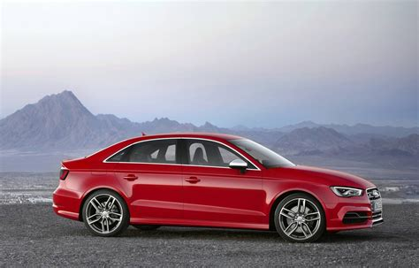 Road & Track Drives The 2014 Audi S4, Takes Notes