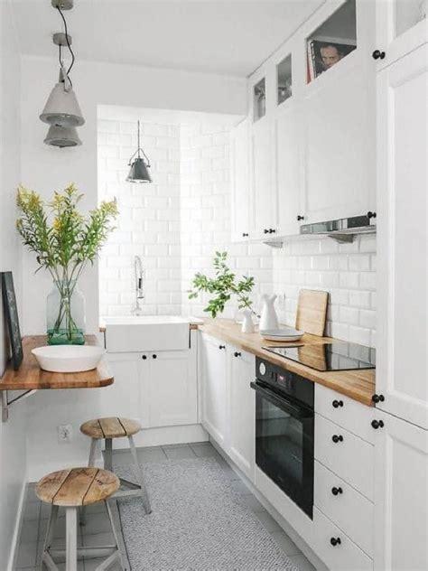 piccole mensole come inserire il tavolo in una cucina piccola 10 idee da