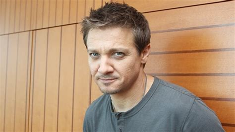 Images About Sigh That Smile Jeremy Renner