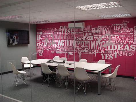 idee nom de salle de reunion les 25 meilleures id 233 es de la cat 233 gorie salles de r 233 union sur bureaux d entreprise
