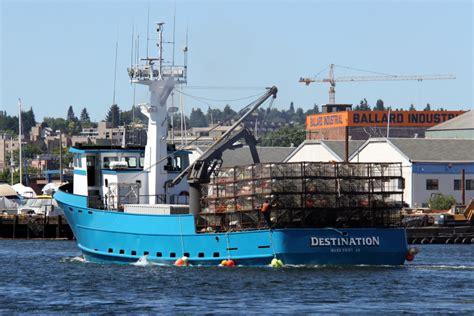 deadliest catch boat sinks destination 14 deadliest catch boat sinks crew tra meets