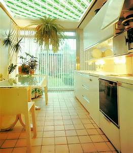 retro interior design motif green diagonal stripes mirror80 With 80s interior decor