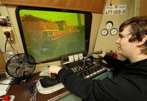 Volunteers Work To Save Vintage Train Simulator In Berlin
