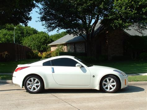 2005 Nissan 350z Overview