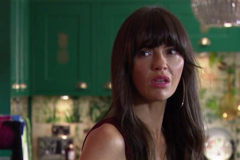 Hollyoaks is lining up a potential custody battle for mercedes mcqueen (jennifer metcalfe) over stepson max. Hollyoaks spoilers: when does Mercedes McQueen get shot? - Radio Times