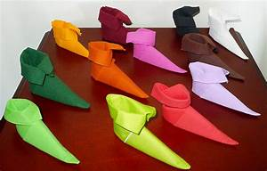 Pliage De Serviette Pour Noel : pliage de serviette de table en forme de chausson de lutin ~ Melissatoandfro.com Idées de Décoration