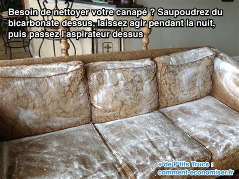 nettoyer urine de sur canapé tissu nettoyer un canape en tissu avec du bicarbonate de soude