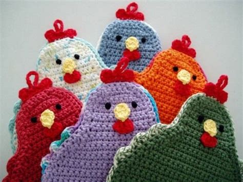 free pattern adorable little chicken potholder to