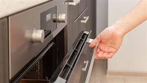 Open Oven Door While Baking