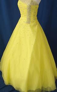 wedding dresses in yellow and white With yellow dress for wedding