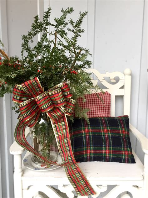 rustic  plaid christmas front porch decor inspiration