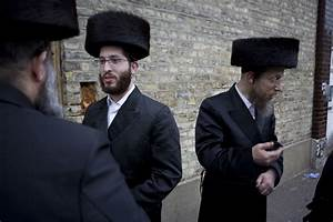 What is a shtreimel?