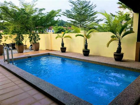 vacation home private jacuzzi swimming pool house johor