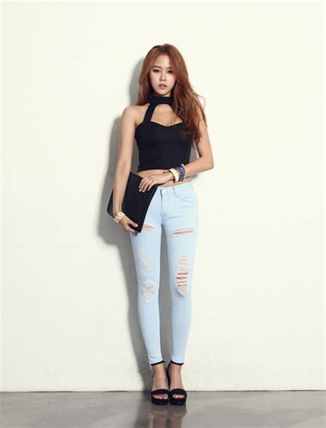 [Dabagirl] Halter Crop Top | KSTYLICK - Latest Korean Fashion | K-Pop Styles | Fashion Blog
