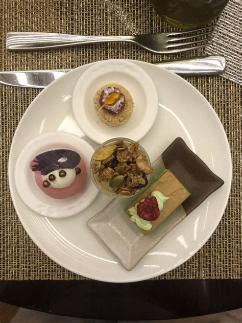 dessert    review oktari angelina