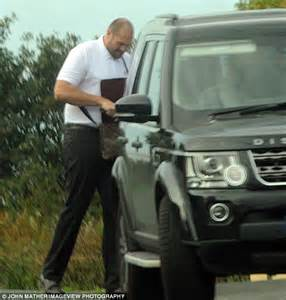 Tyson Fury struggles to fit son's pram into boot of his ...