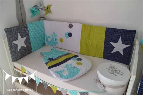 chambre bebe vert anis tour lit bébé 60 x 120 cms baleine étoiles vert anis bleu