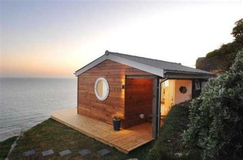 Moderne Häuser Preiswert by Kleines Holzhaus An Der Meeresk 252 Ste