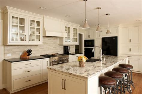 ivory white kitchen cabinets best 25 ivory cabinets ideas on ivory kitchen 4887