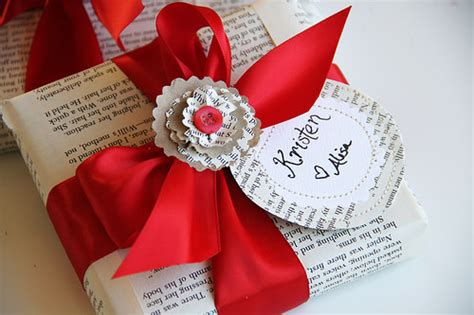 christmas crafts with used books 13 things to make with book pages crafting tip junkie