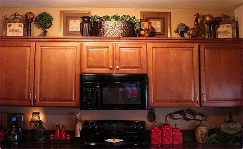 decorate   kitchen cabinets