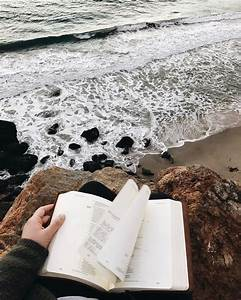 Reading by the sea // bookstagram aesthetics hipsters ...