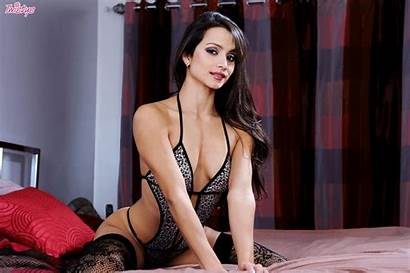 Chelsea French Pussy Webcam Models Glamour