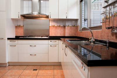 Küchenabzug Nach Außen by Wie Installiere Ich Eine Dunstabzugshaube
