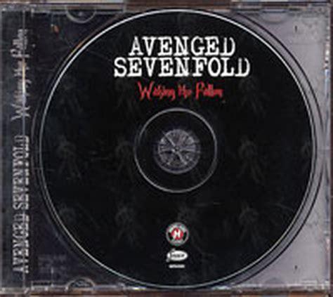 AVENGED SEVENFOLD - Sounding The Seventh Trumpet / Waking ...