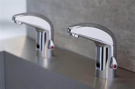 dispense idraulica dispenser di sapone erogatore acqua e asciugamani ad