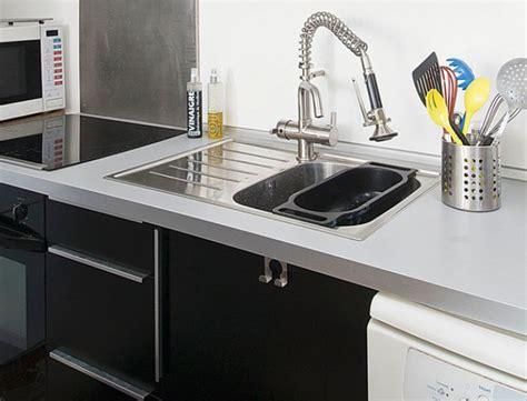 installer evier cuisine cuisine montage des meubles et pose d 39 un évier