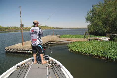 Fishing Boat Docks For Bass by Small Boat Bass Fishing In Fisherman