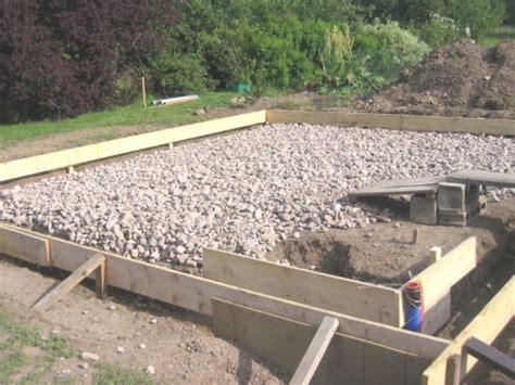 bureau profondeur 40 réaliser une dalle béton pour abri de jardin ou chalet bois
