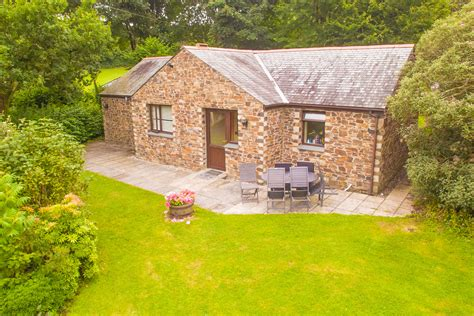 Olearia Bosinver Farm Cottages Dog Friendly Cornwall