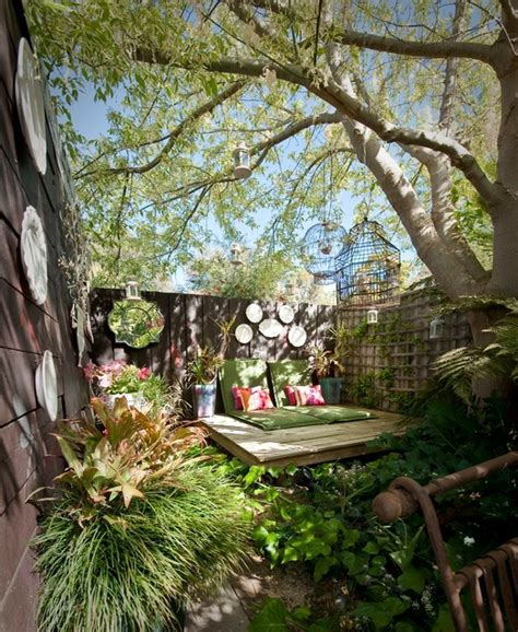 Backyard Bedroom by 17 Lively Shabby Chic Garden Designs That Will Relax And