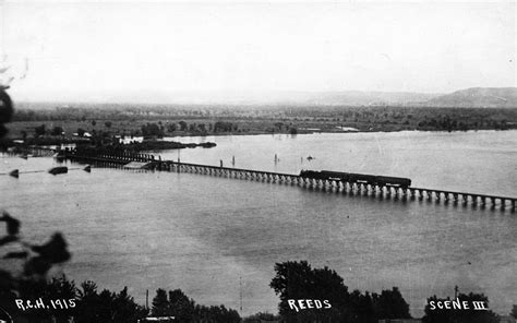 milwaukee roads floating pontoon railroad bridge