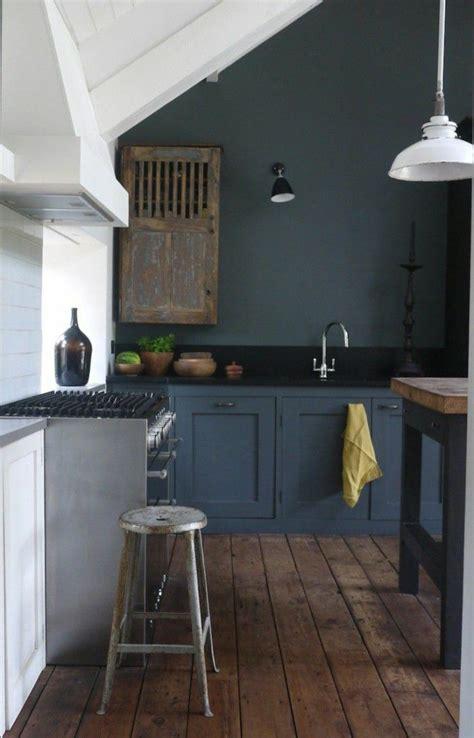 repeindre meuble cuisine bois les 25 meilleures idées de la catégorie repeindre meuble