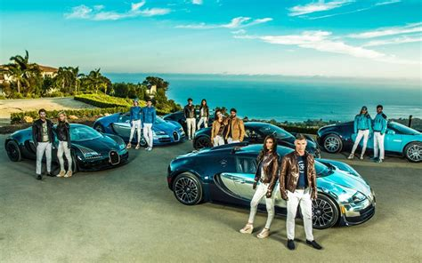 The capsule collection includes men's and women's clothing and accessories, 34 in total to start with the collection will drop in april in the bugatti dealerships worldwide, as well as the wholesale. Bugatti Legends Capsule Collection - detail photo, clothes, size 2048 x 1280, nr. 7/8 ...