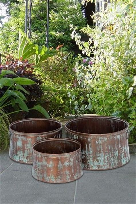 Copper Outdoor Planters by Best 25 Metal Planters Ideas On Metal Plant