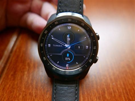goondu review mobvoi ticwatch pro comes with dual screens